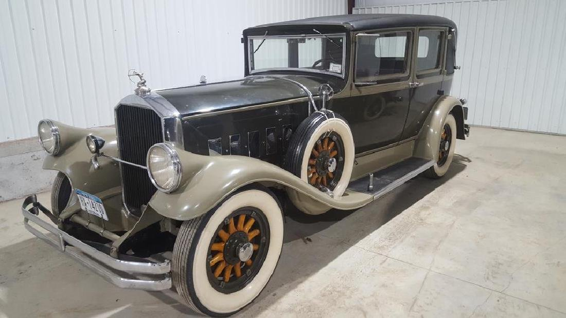 1929 PIERCE ARROW Landau Club Sedan. Four Door
