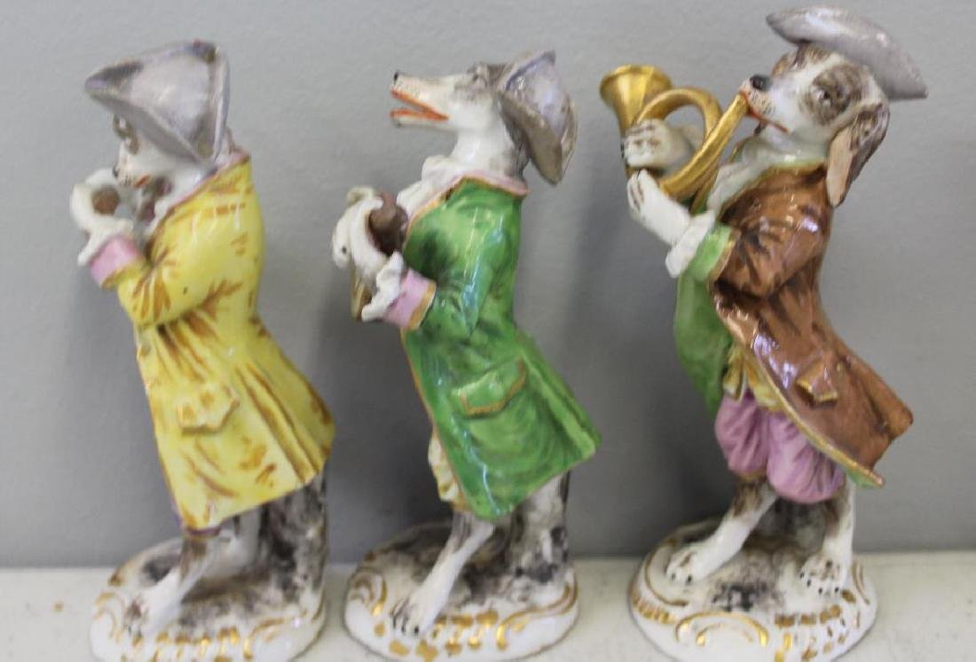 Paris Porcelain ?. 7 Dog Band Figures and The Stand. - 5