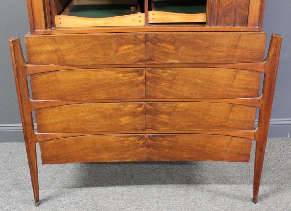 MIDCENTURY. Edmund Spence Curved Dresser - 3