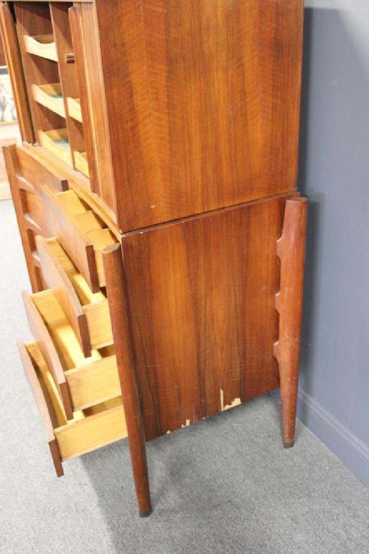 MIDCENTURY. Edmund Spence Curved Dresser - 4