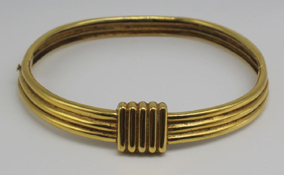 JEWELRY. 18kt Gold Hinged Choker Necklace.