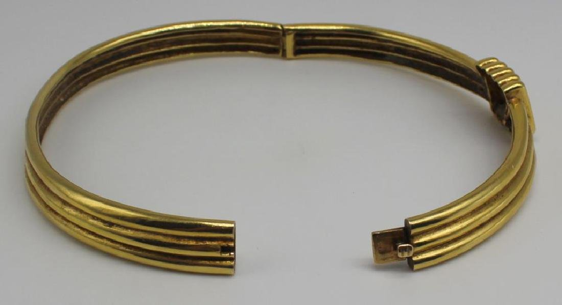 JEWELRY. 18kt Gold Hinged Choker Necklace. - 4