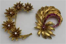 JEWELRY. 18kt and 14kt Gold Brooch Grouping.