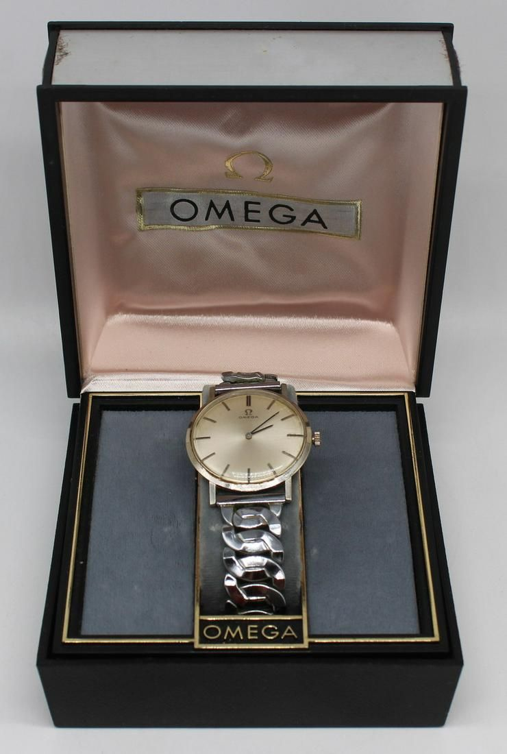 JEWELRY. Vintage Men's Omega 14kt Gold Watch Face.