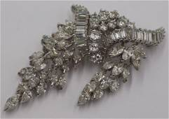 JEWELRY. Exceptional Platinum and Diamond Brooch.