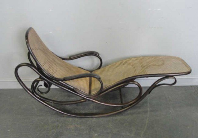 176: THONET Rocking Chaise Longue.