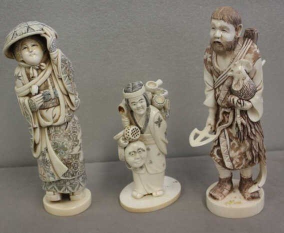 23: 3 Asian Ivory Carvings.