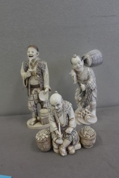24: 3 Asian Ivory Carvings.
