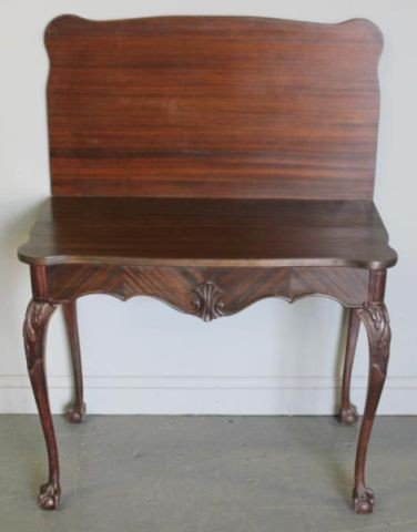 86: Chippendale Style Mahogany Extension Table.