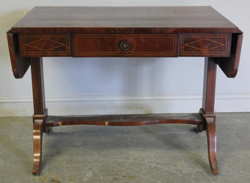 115: Regency Mahogany Drop Leaf Sofa Table.