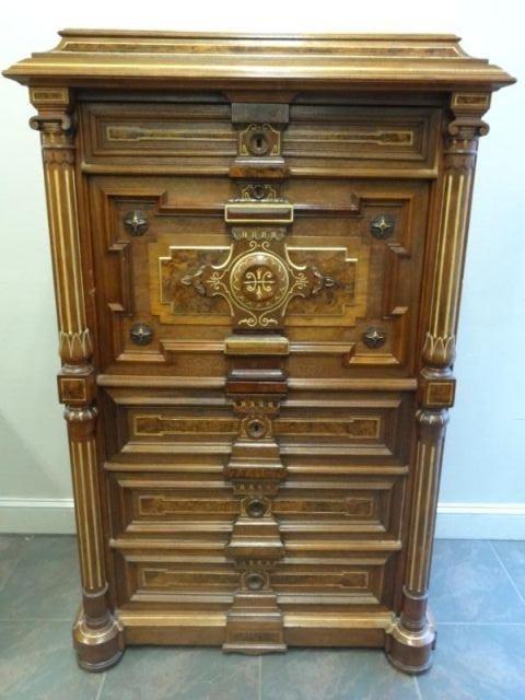 123: Top Quality Victorian Renaissance Revival Walnut