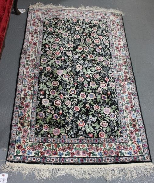53E: Contemporary Handmade Oriental Scatter Carpet.