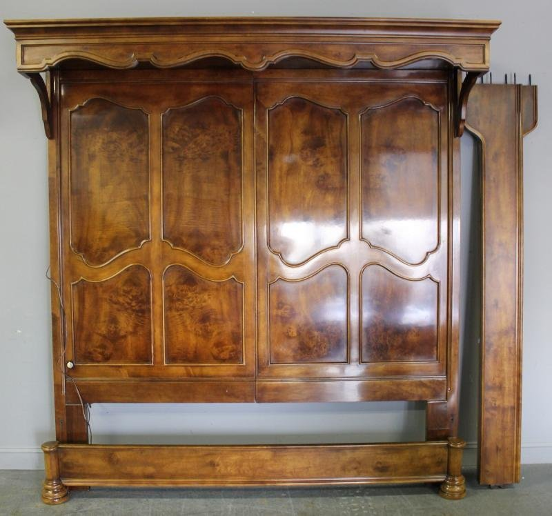 79: Henredon Bedroom Set. - 2