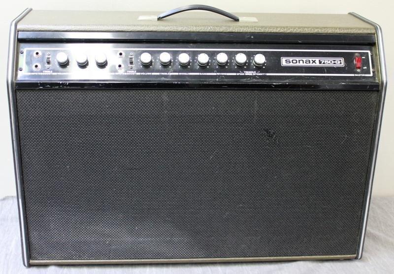 Goya Rangemaster Electric Guitar with Companion - 2