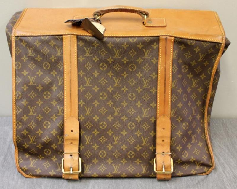 Vintage Louis Vuitton Garment Bag. - 2