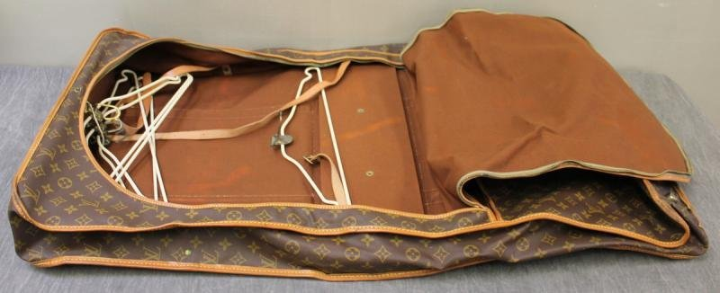 Vintage Louis Vuitton Garment Bag. - 4