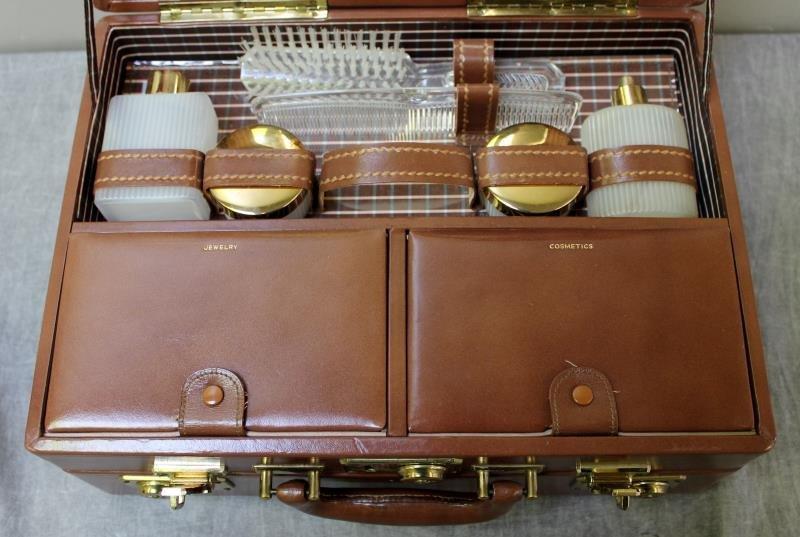 Vintage Mark Cross Leather Vanity Case. - 2