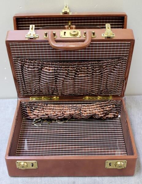 Vintage Mark Cross Leather Vanity Case. - 3