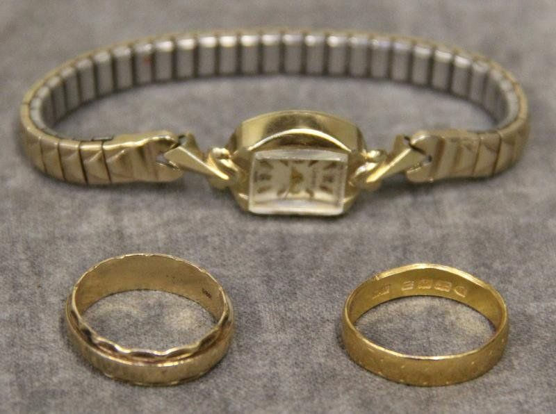 JEWELRY. Miscellaneous Gold Men's and Ladies'