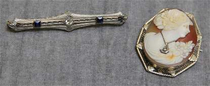 JEWELRY. Antique Gold Brooch Grouping.