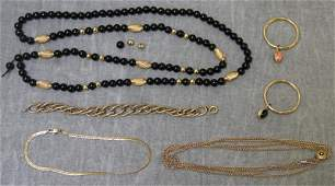 JEWELRY Miscellaneous Gold Grouping