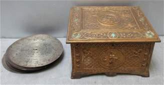 Rare Regina Table Top Music Box and Discs
