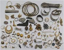 JEWELRY Assorted Scrap Gold and Silver Items