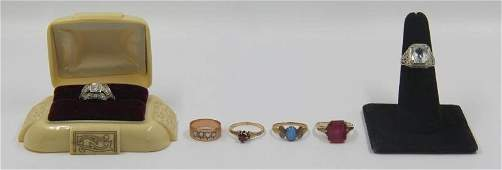 JEWELRY Antique Gold Ring Grouping