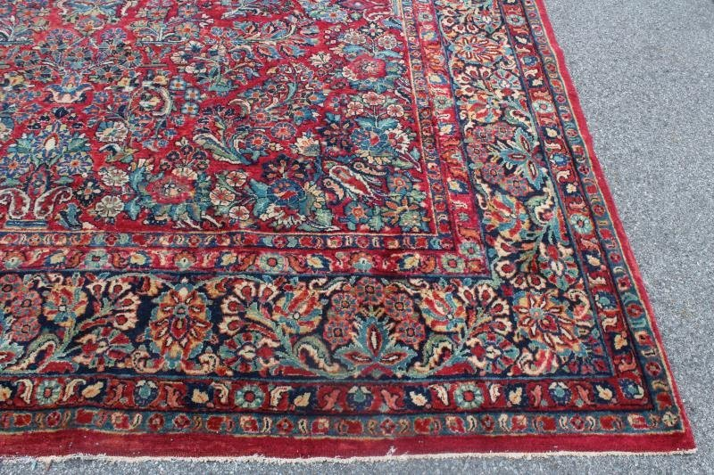 Finely Woven Antique Handmade Sarouk Carpet. - 2