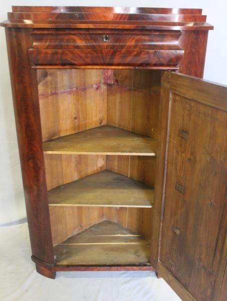 19 Century Flame Mahogany Corner Cabinet. - 2