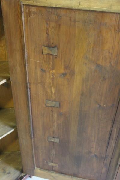 19 Century Flame Mahogany Corner Cabinet. - 3