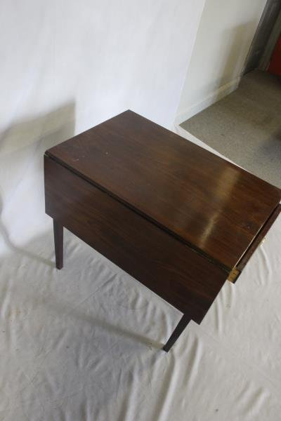 Antique Mahogany Pembroke Table . - 3