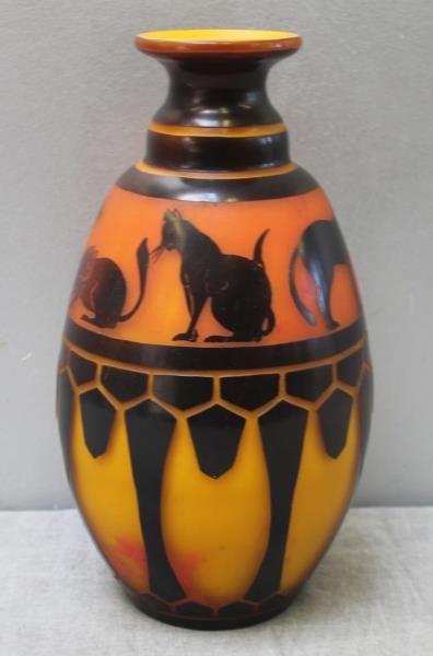 Le Verre Francais Cameo Glass Vase. - 2