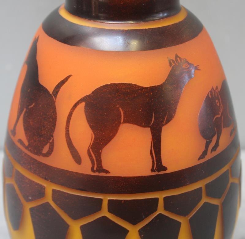 Le Verre Francais Cameo Glass Vase. - 5