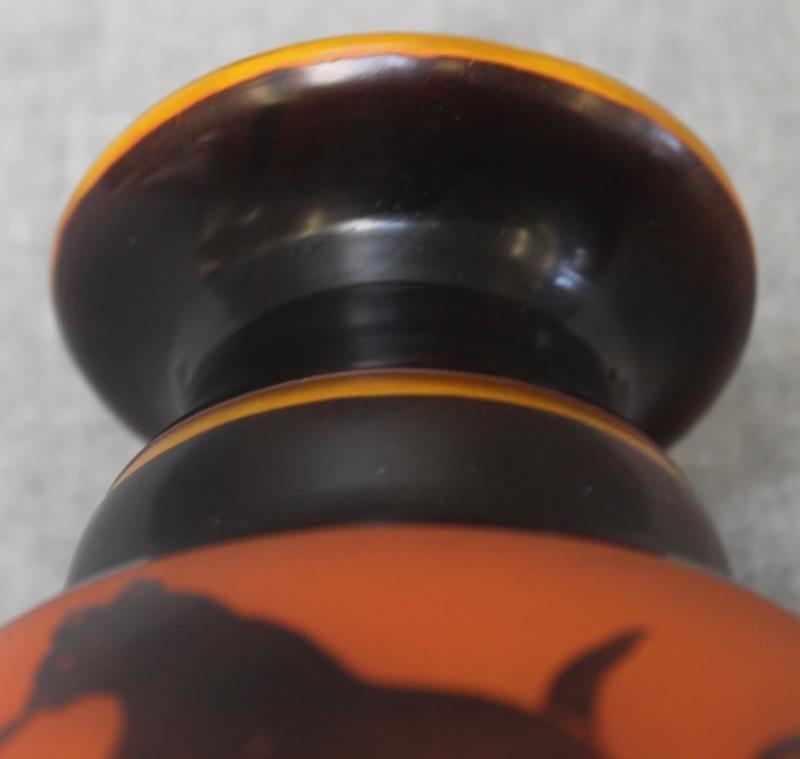 Le Verre Francais Cameo Glass Vase. - 6