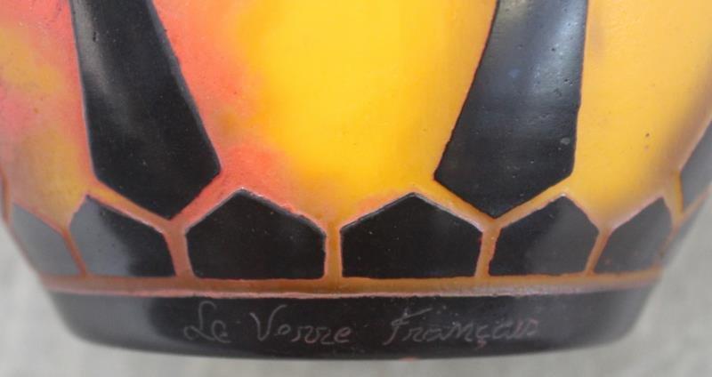 Le Verre Francais Cameo Glass Vase. - 8