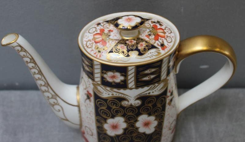"""Large Grouping of Crown Derby """"Imari """" Porcelain. - 10"""