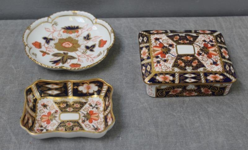 """Large Grouping of Crown Derby """"Imari """" Porcelain. - 3"""