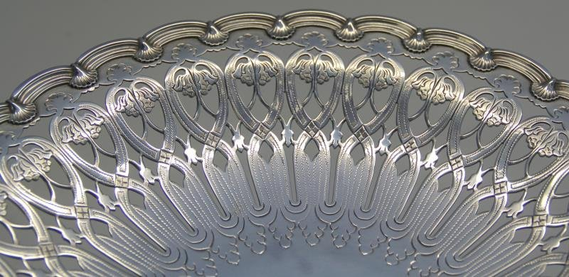 STERLING. Tiffany & Co. Cake Plate. - 4