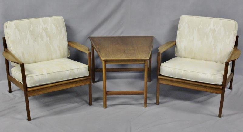 Midcentury Pair of Teak Lounge Chairs.