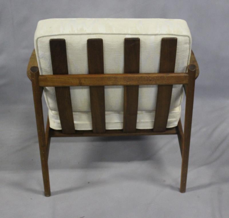 Midcentury Pair of Teak Lounge Chairs. - 3