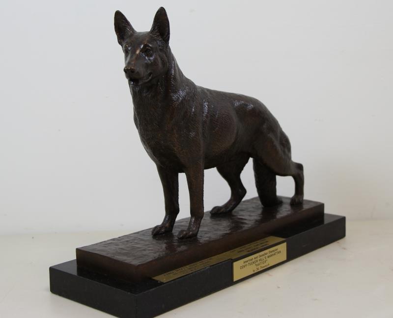 """NEWMARK, Marilyn. Bronze Sculpture """"Hatter"""" 1988."""