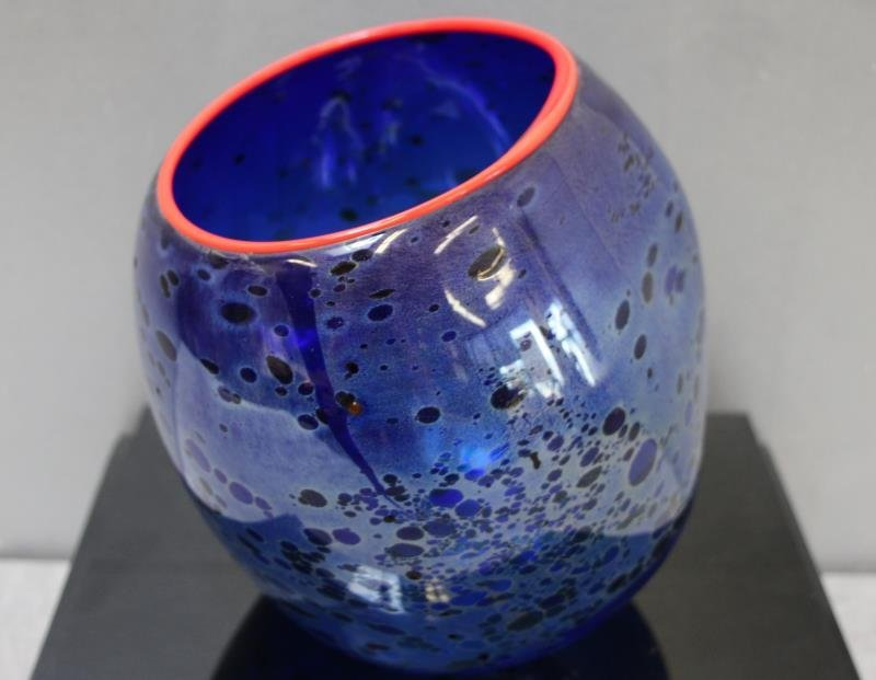 CHIHULY, Dale. 1994 Cobalt Blue Basket With - 5