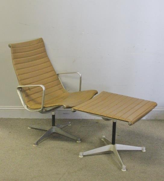 Midcentury Herman Miller Aluminum Group Chair.