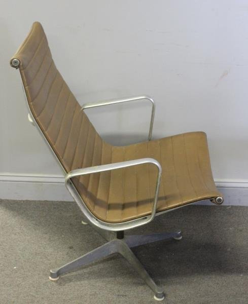 Midcentury Herman Miller Aluminum Group Chair. - 4