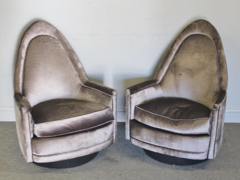 Midcentury Pair of Milo Baughman Swivel Chairs.