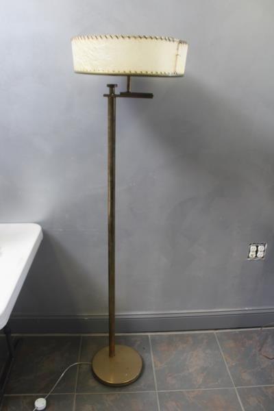 Midcentury Kurt Versen / Nessen Brass Floor Lamp. - 2