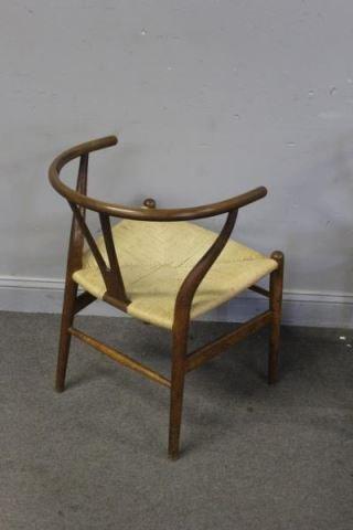 Set of 12 Midcentury Hans Wegner Wishbone Chairs. - 7