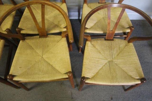 Set of 12 Midcentury Hans Wegner Wishbone Chairs. - 9