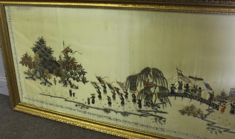 lot Of 2 Framed Asian Silks . - 7